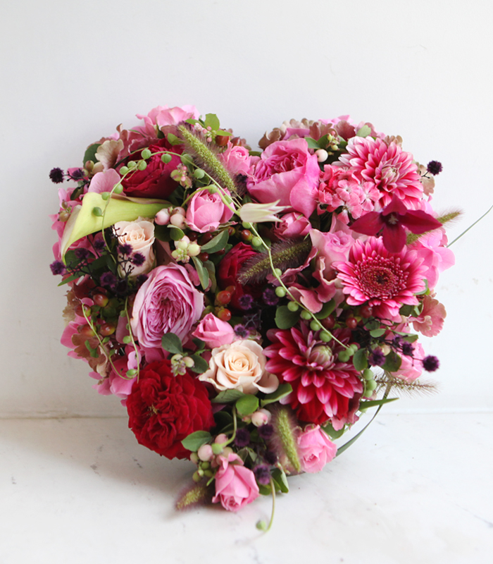 deep pink heart centerpiece (L)
